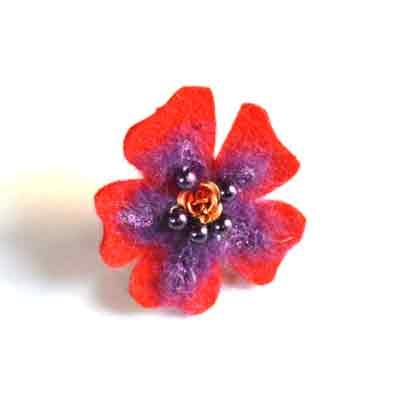 Ring van vilt (rood en paars)
